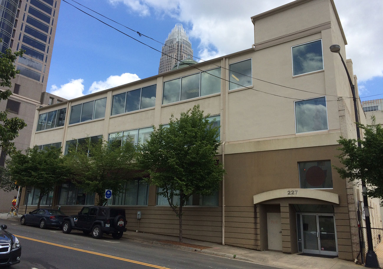 Level Office brings 3 floors of coworking space to Uptown. Details and 18 photos.