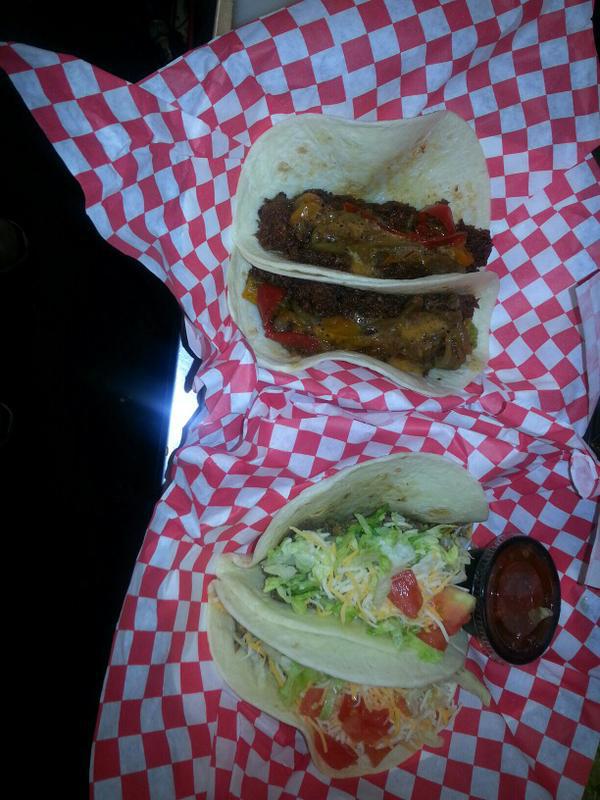 KO-Food-Truck-Brisket-and-Chicken-Tacos
