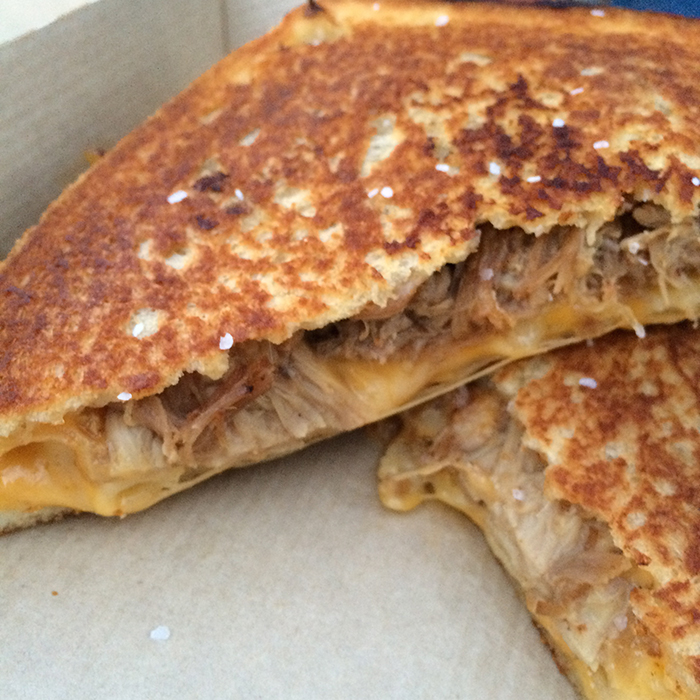 Papi-Queso-Pulled-Pig-Mac-Sandwich