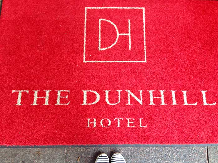 Dunhill Hotel mat