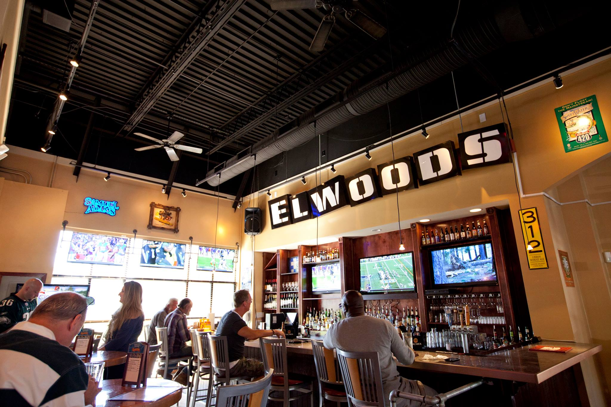 Elwoods closes as barbecue booms in Ballantyne