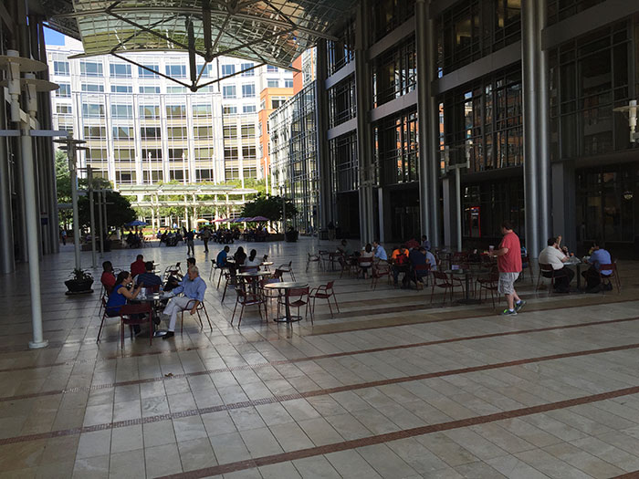 gateway-breezeway-outdoor-seating