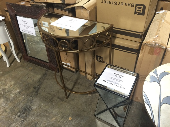 Move Loot warehouse sale