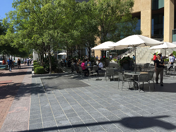 museum-plaza-seating