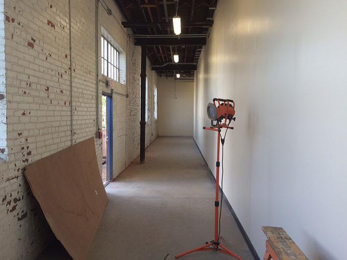 noda-brewing-hallway