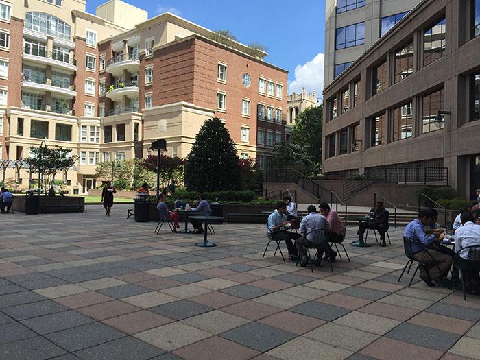 transamerica-plaza-outdoor space