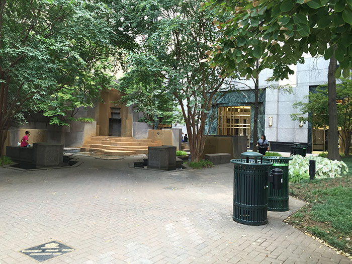 waterfall-in-the-square-at-trade-and-tryon
