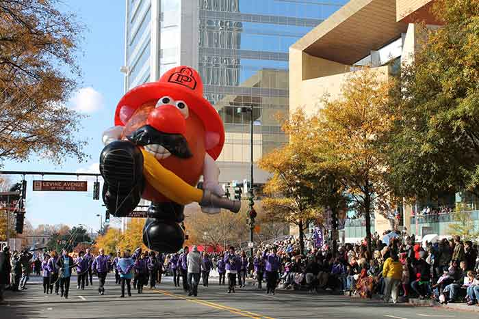 balloon-at-thanksgiving-day-parade-uptown-charlotte
