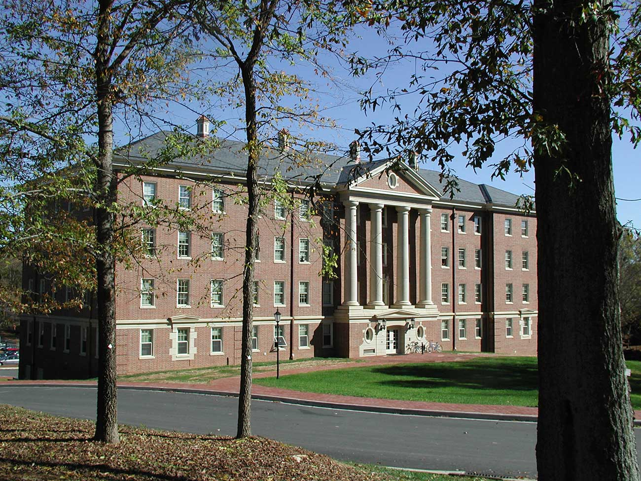 Davidson College is now offering a free intensive coding course to students and recent graduates