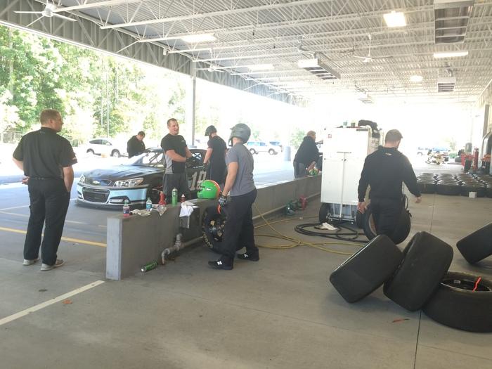 Stewart Haas pit crew