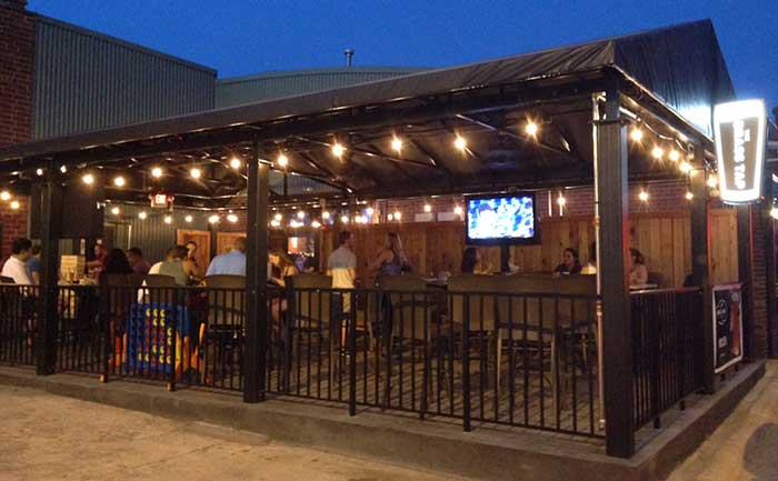 the-brass-tap-outdoor-patio-charlotte