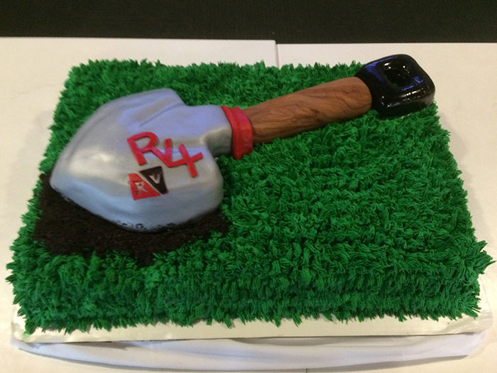 RV4-Groundbreaking-Cake