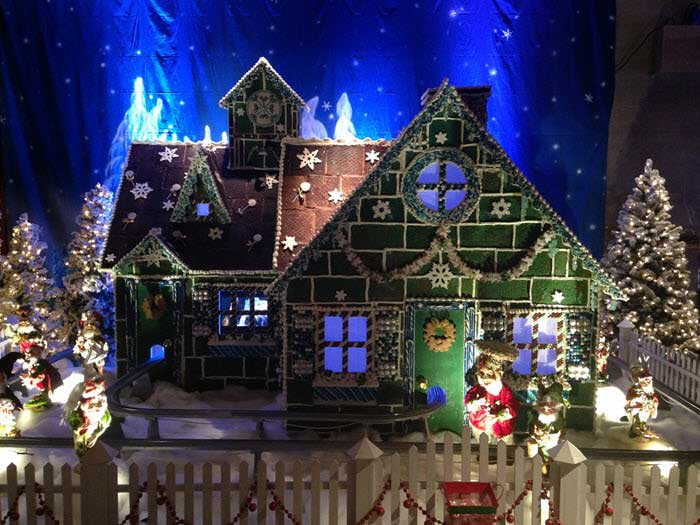 Gingerbread-House-Small