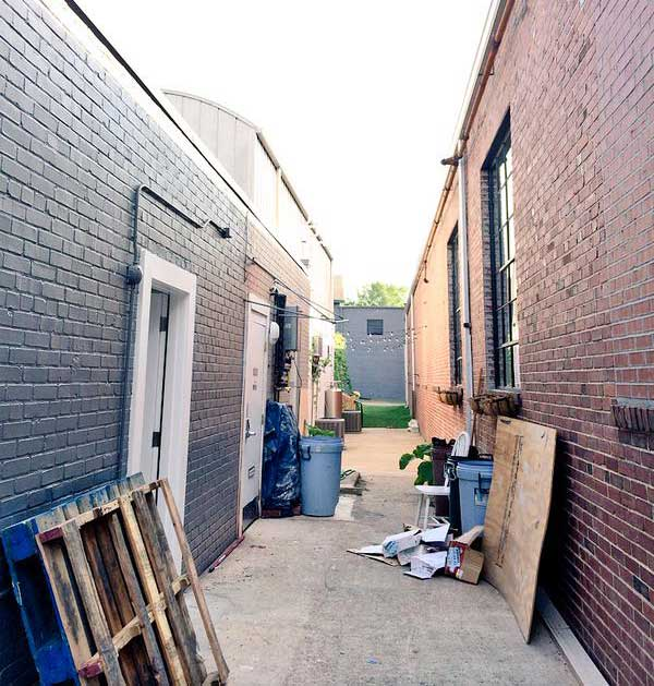Historical-South-End-Alley-craft-drinks