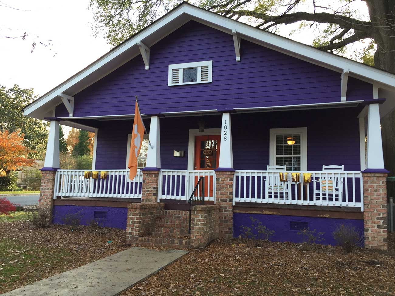 The story behind that funky 39 clemson house 39 in noda for The charlotte house