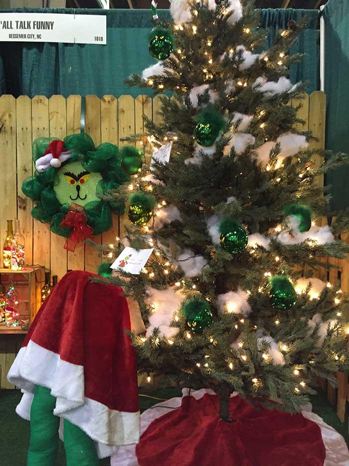 southern-christmas-show-elf-butt