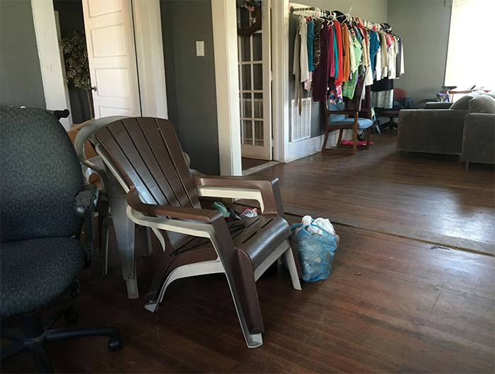 free-store-chairs