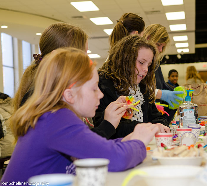 Children-Volunteer-at-MLK-Day-2014