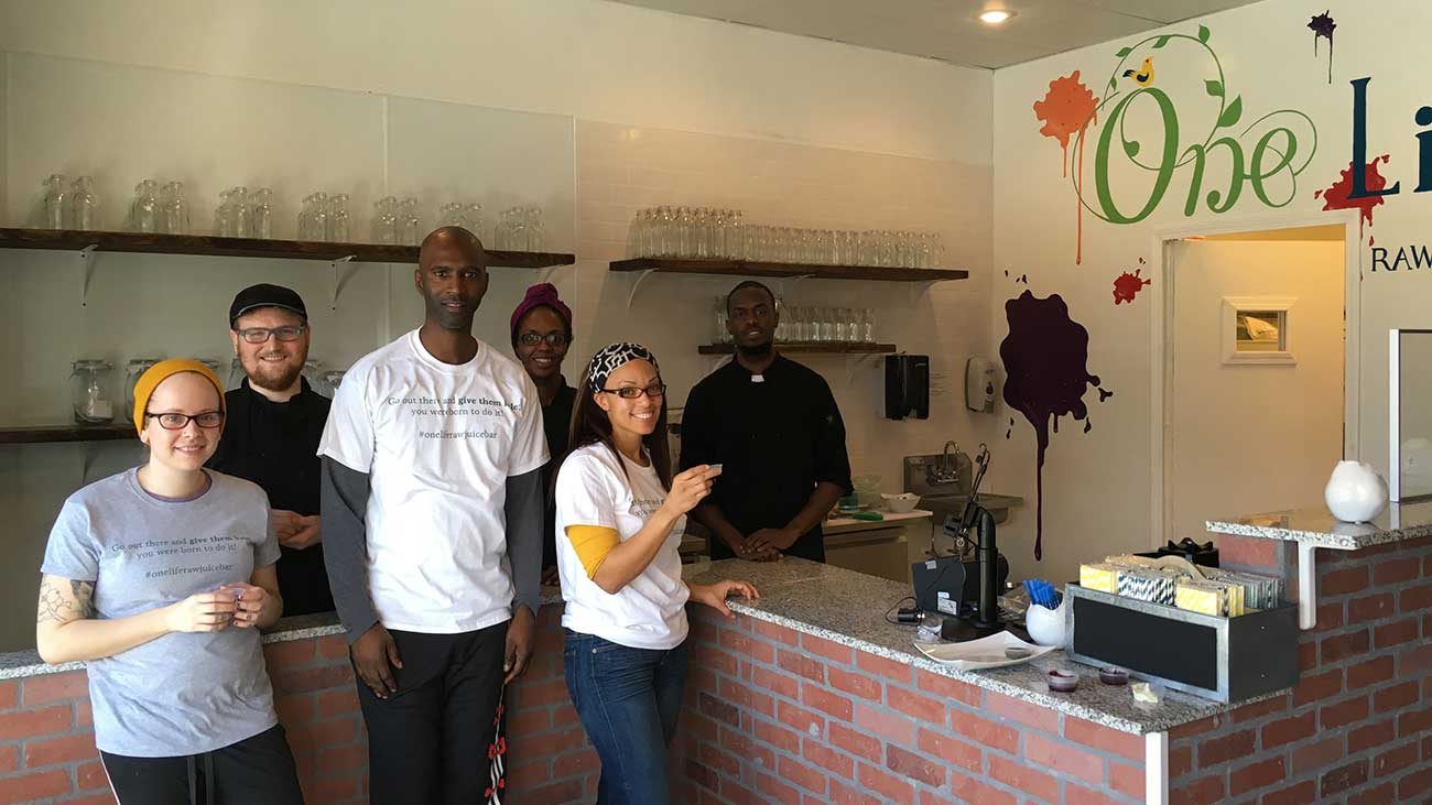 One Life Raw Juice Bar opens today in Myers Park, look inside