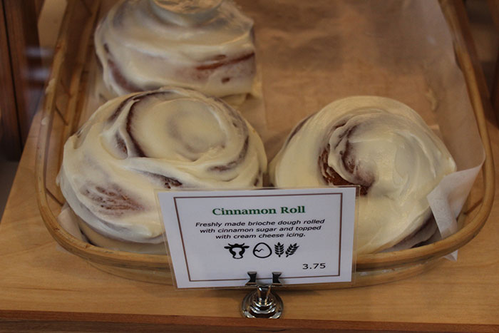 Sunflour-Cinnamon-Roll