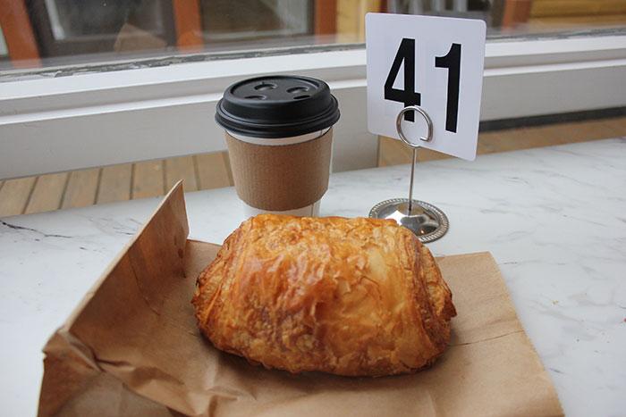 Sunflour-Bakery-Croissant