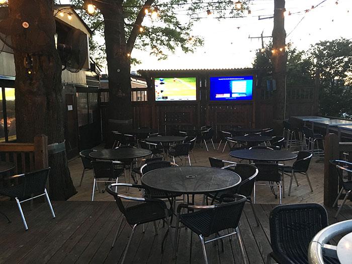 brazwells-patio