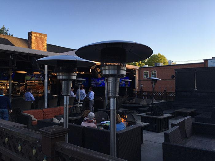selwyn-pub-patio
