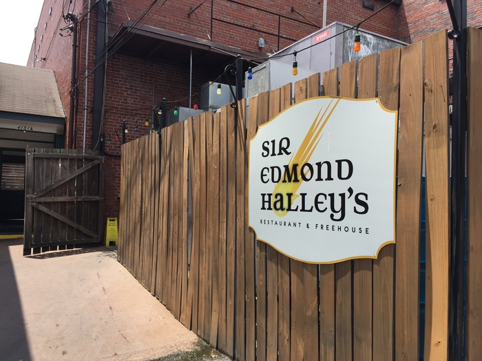 backlot sir edmond halley's