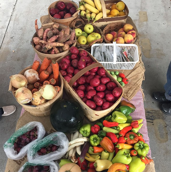 mobile-market-veggies