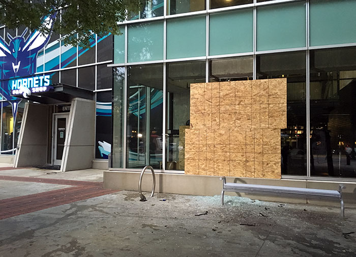 charlotte-hornets-protest-shop-desctruction