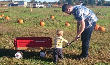 5 things that should be on every Charlotte toddler's fall bucket...