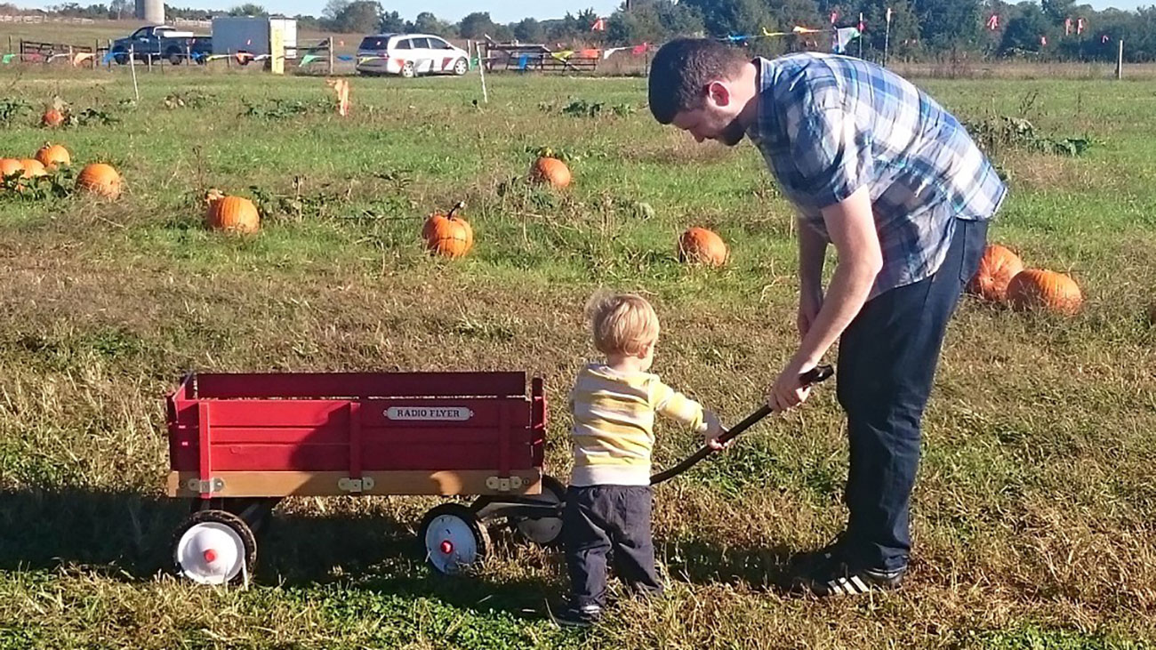 5 things that should be on every Charlotte toddler's fall bucket list
