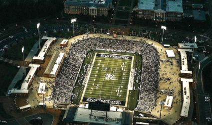 Cheer on the 49ers with the Agenda team at the Charlotte 49ers+CA tailgate on November 12