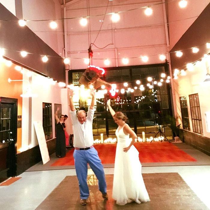 dad-dancing-wedding