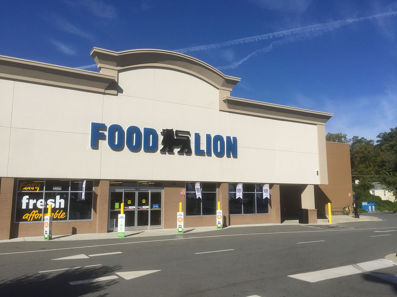 Food Lion Put  215 Million Toward Revamping 142 Area