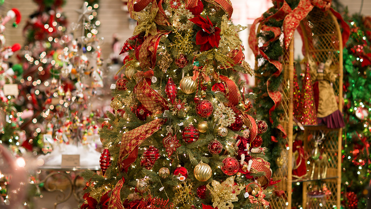 how christmas obsessed are you take the quiz with peppermint forest christmas shop - Peppermint Forest Christmas Shop