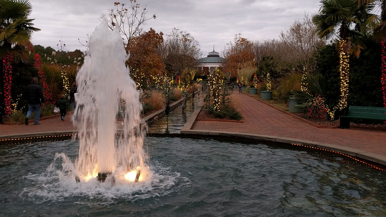 My Toddler And I Are Obsessed With Daniel Stowe Botanical Garden S Holidays At The Garden Eco
