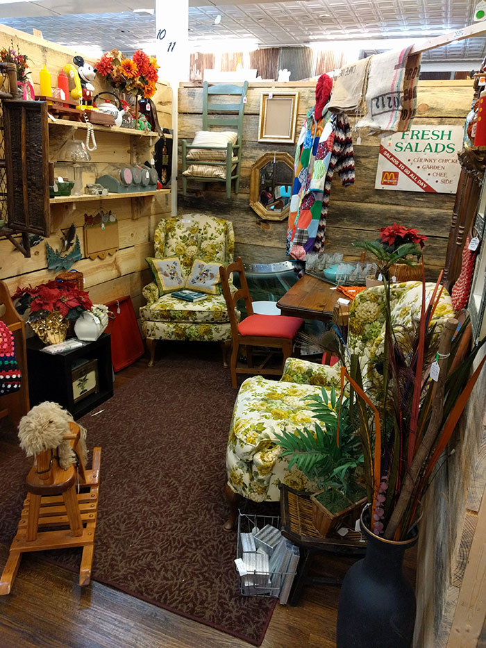 lincolnton-antique-booth
