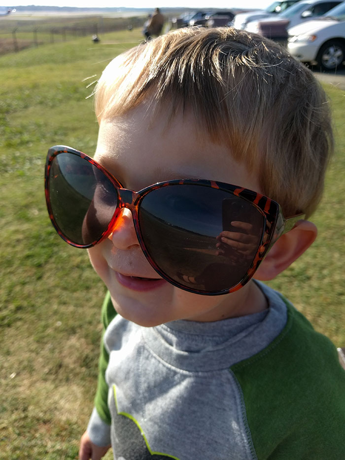 toddler-in-sunglasses
