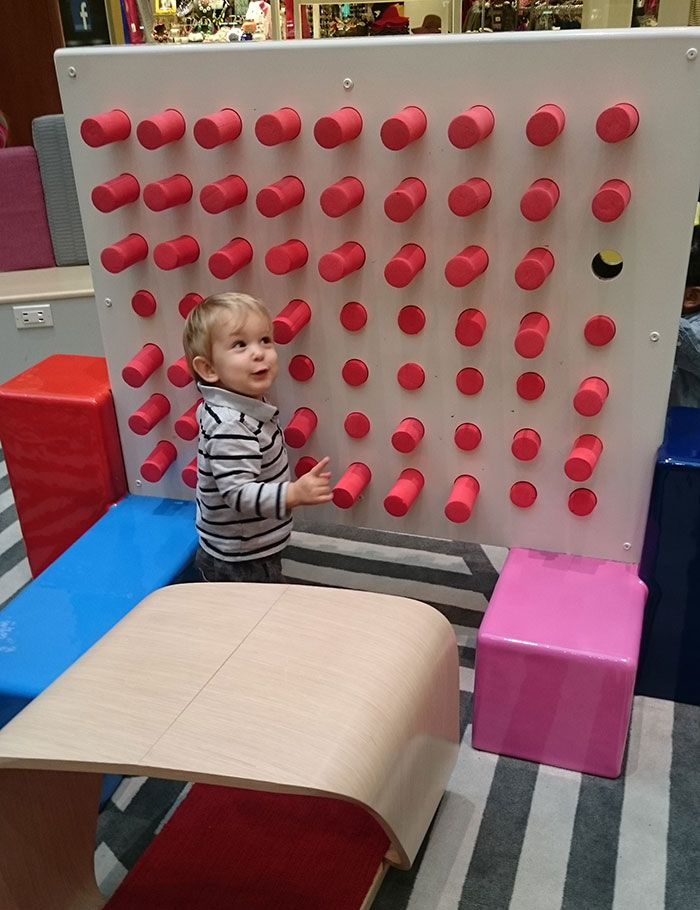 NorthLake-Mall-toddler-playground