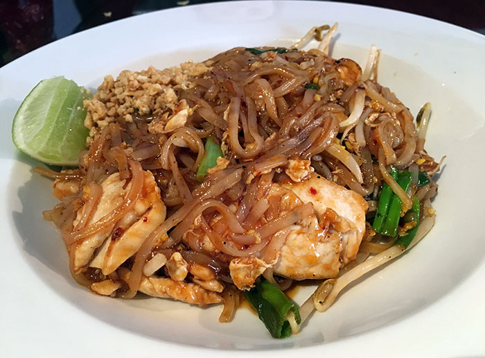 pad-thai-at-deejai-thai