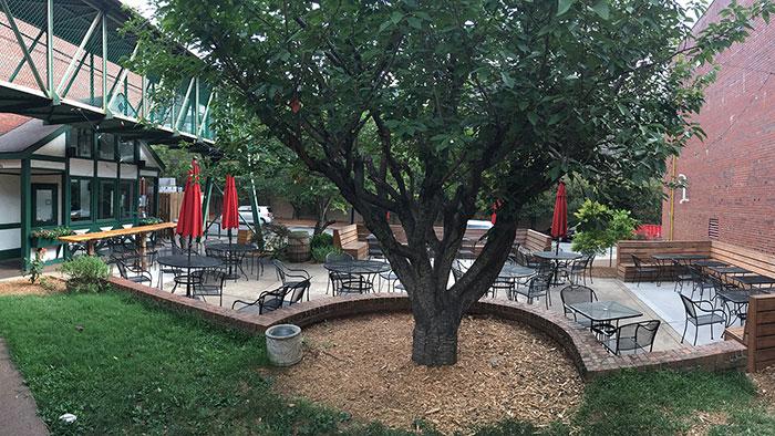 sir-edmond-halley's-patio-charlotte
