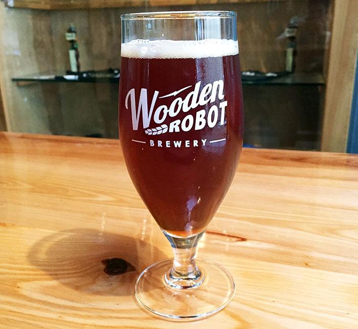 wooden-robot-beer-pint-glass-charlotte