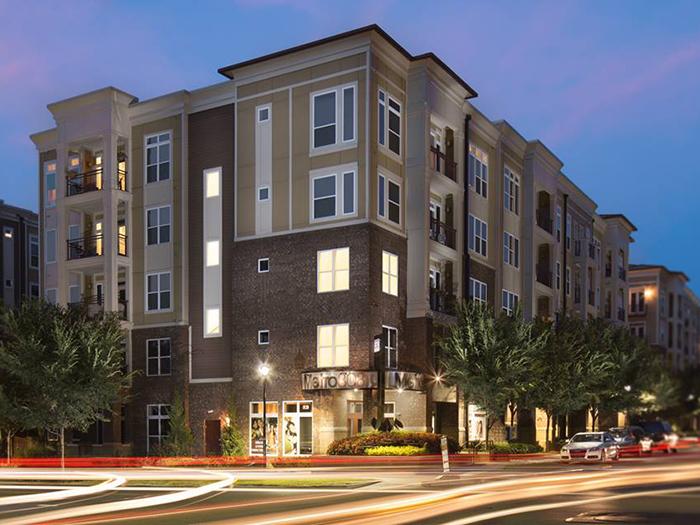 apartment complex in plaza midwood metro 808