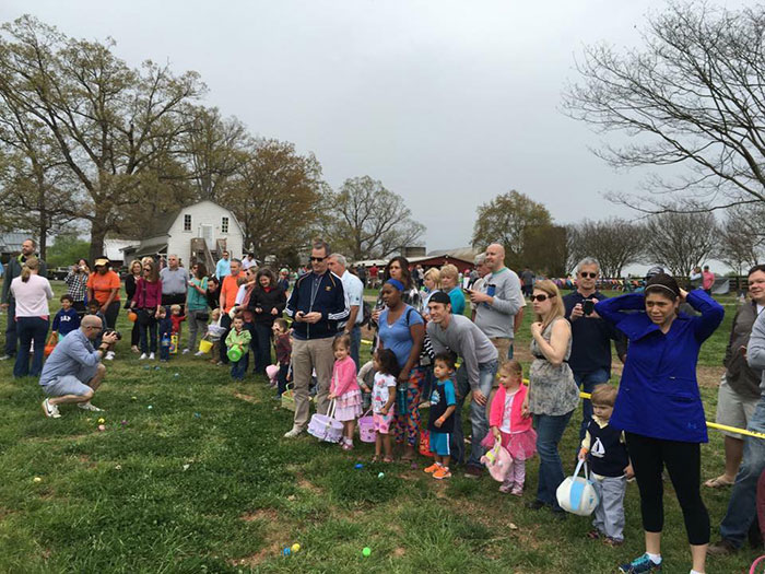 Hodges-family-farm-egg-hunt