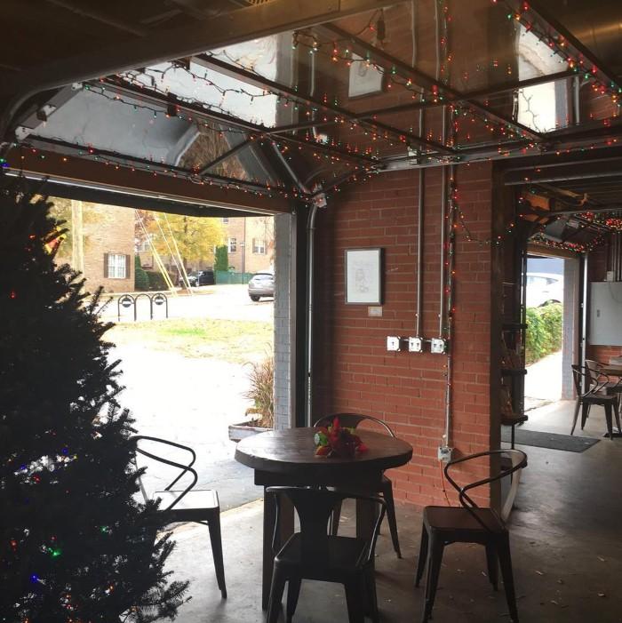 Charlotte 39 s 10 best indoor outdoor bars and restaurants for Craft stores bakersfield ca