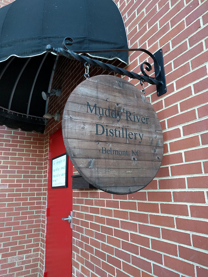 muddy-river-distillery