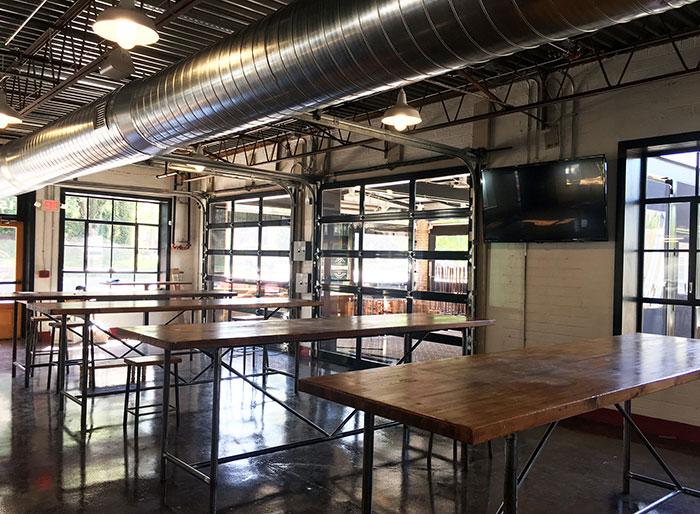 garage-door-patio-at-desano-pizza