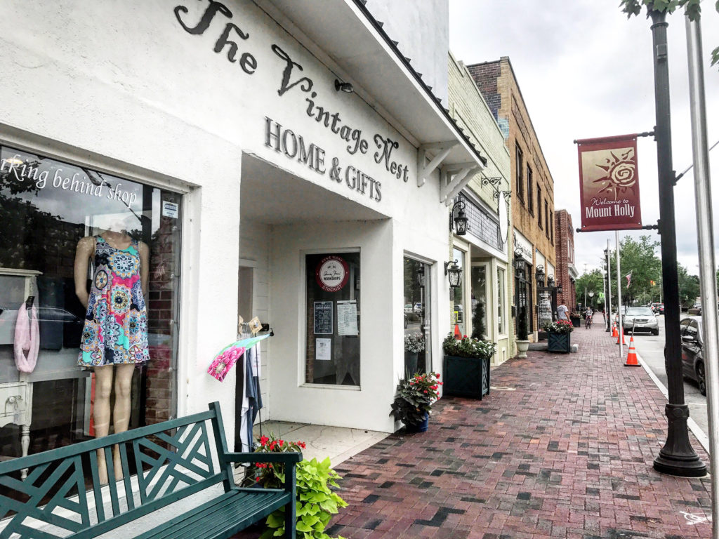9 things to see, do and eat in downtown Mount Holly, 30 minutes west of Charlotte