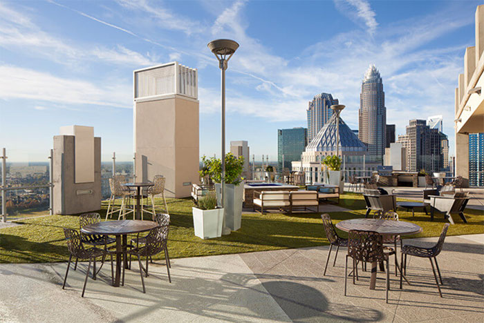 skyhouse-rooftop-deck-charlotte